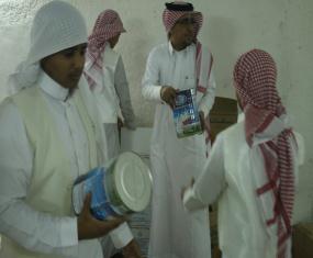 المشاركة في توزيع سلال غذائيةبالتعاون مع الجمعية الخيرية